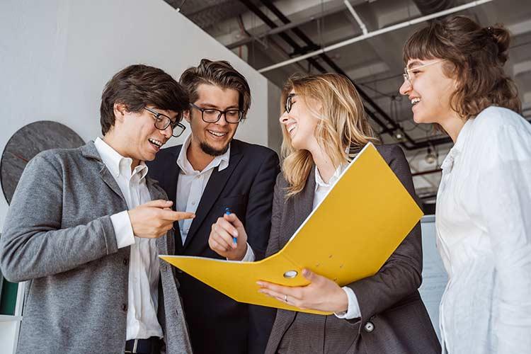 Unternehmensberatung Startups und Existenzgründer - Marketing Strategieberatung und Steuerberatung